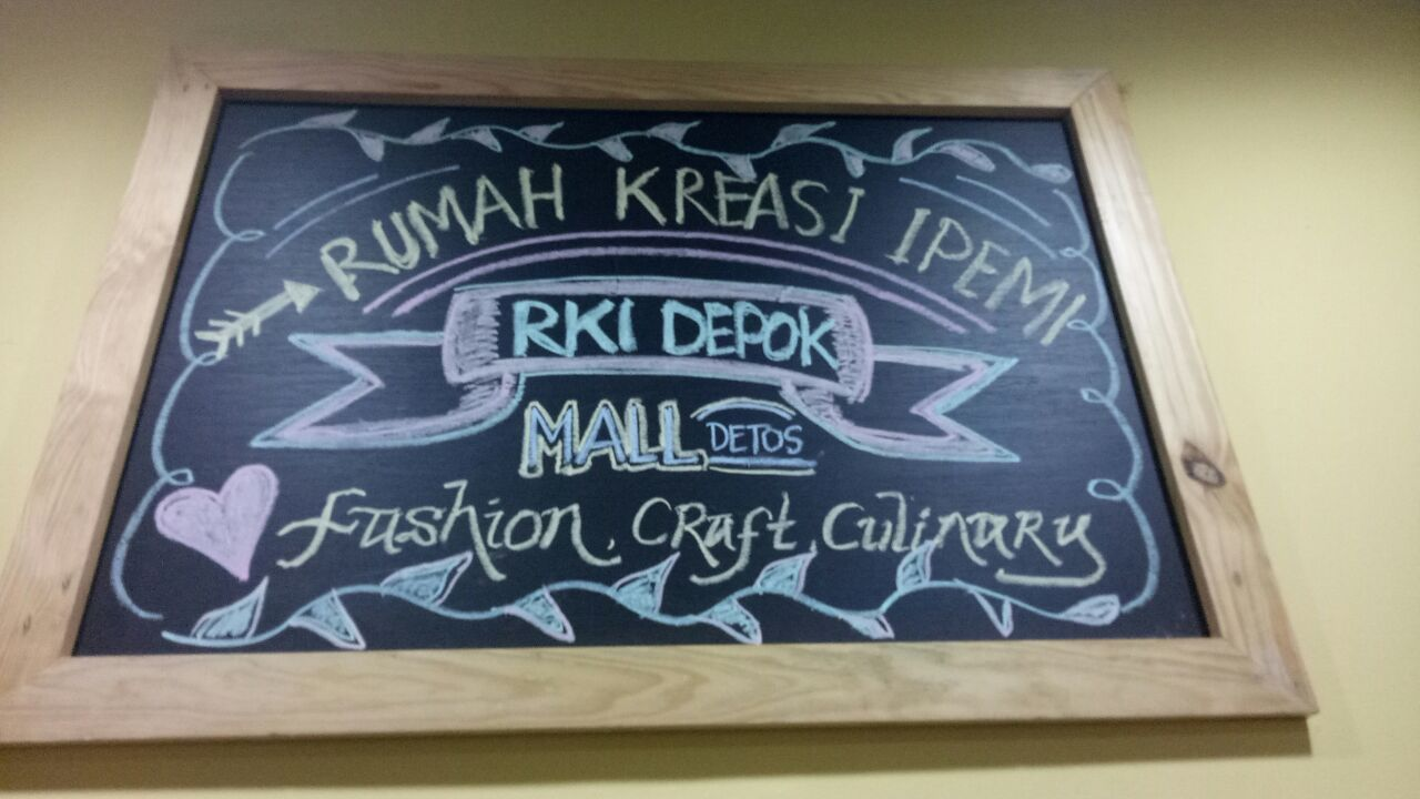 Rumah Kreasi Ipemi dibuka di kawasan UMKM Kadin Depok di Mall Detos.