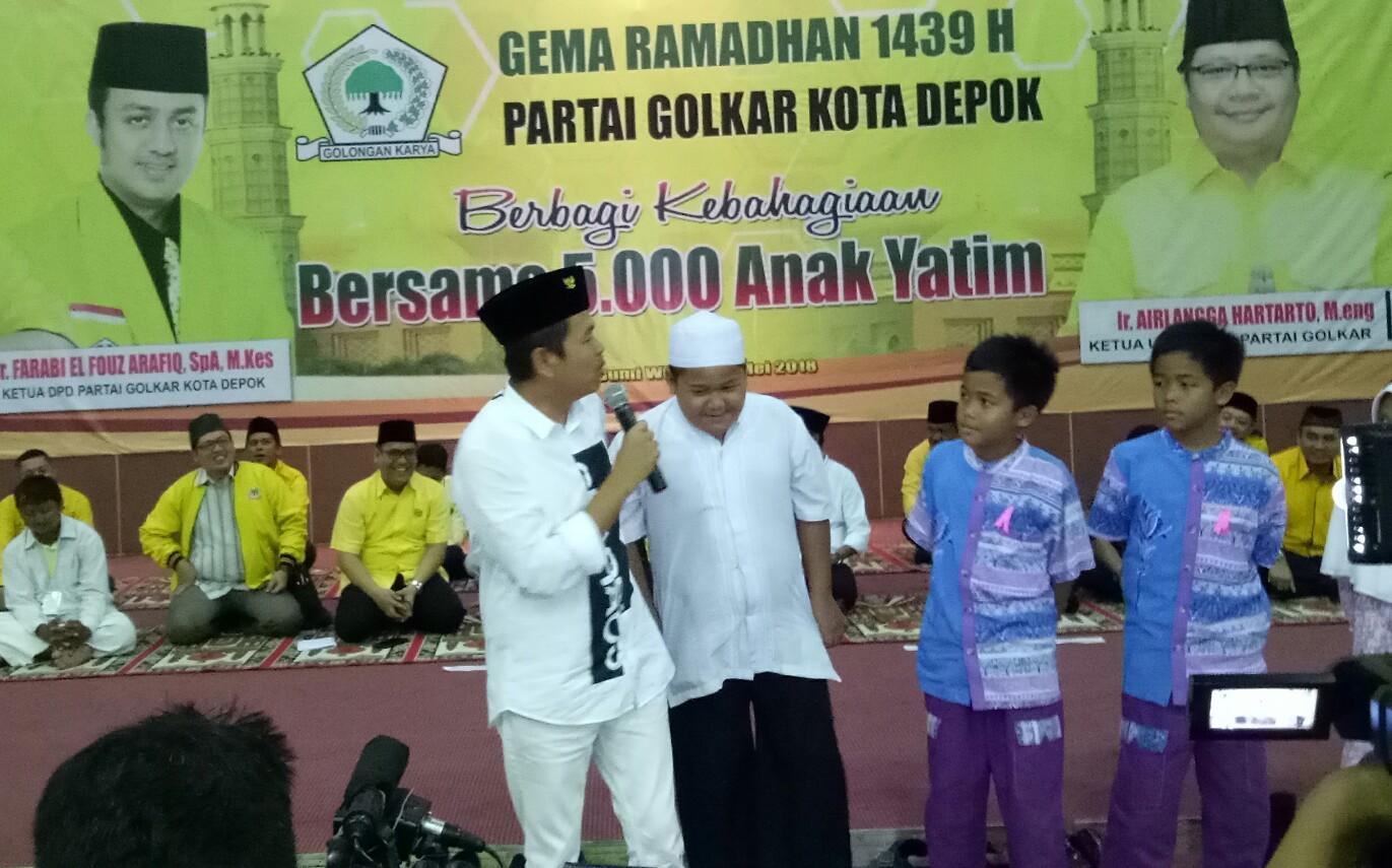 Ketua DPD Partai Golkar Jawa Barat Dedi Mulyadi mengajak kader Golkar berbuat membantu negara di tengah masyarakat.