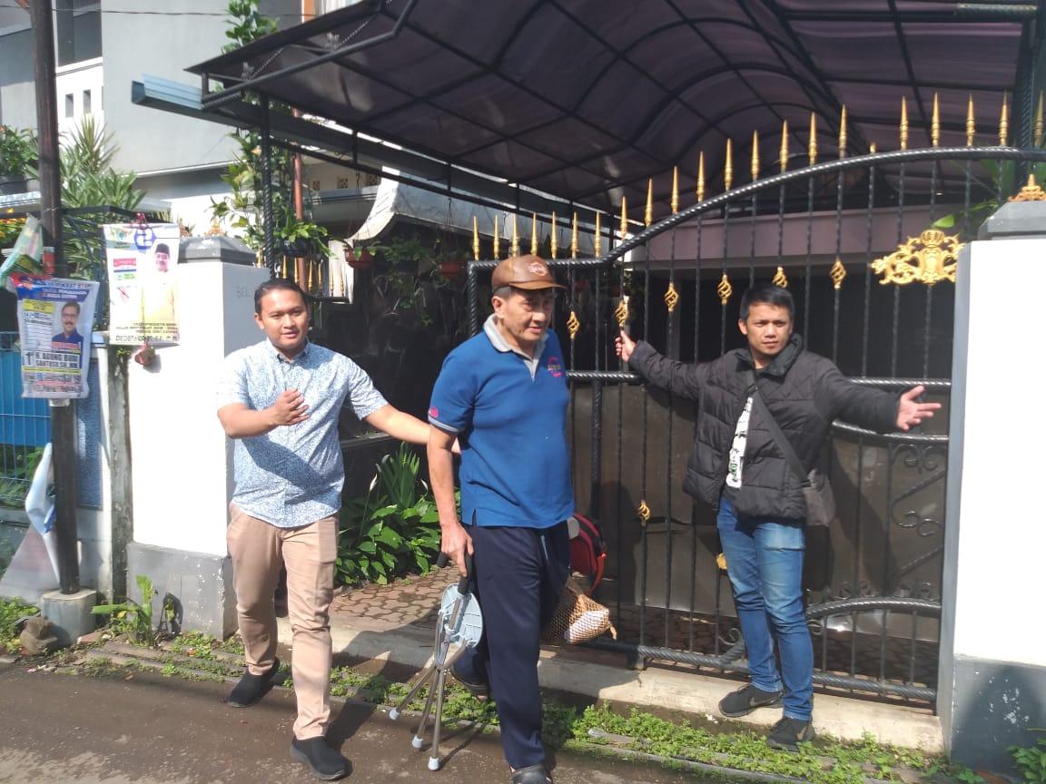 Mantan kepala SMAN 3 Depok dieksekusi di rumahnya, kemudian langsung dijebloskan ke penjara Sukamiskin Bandung.