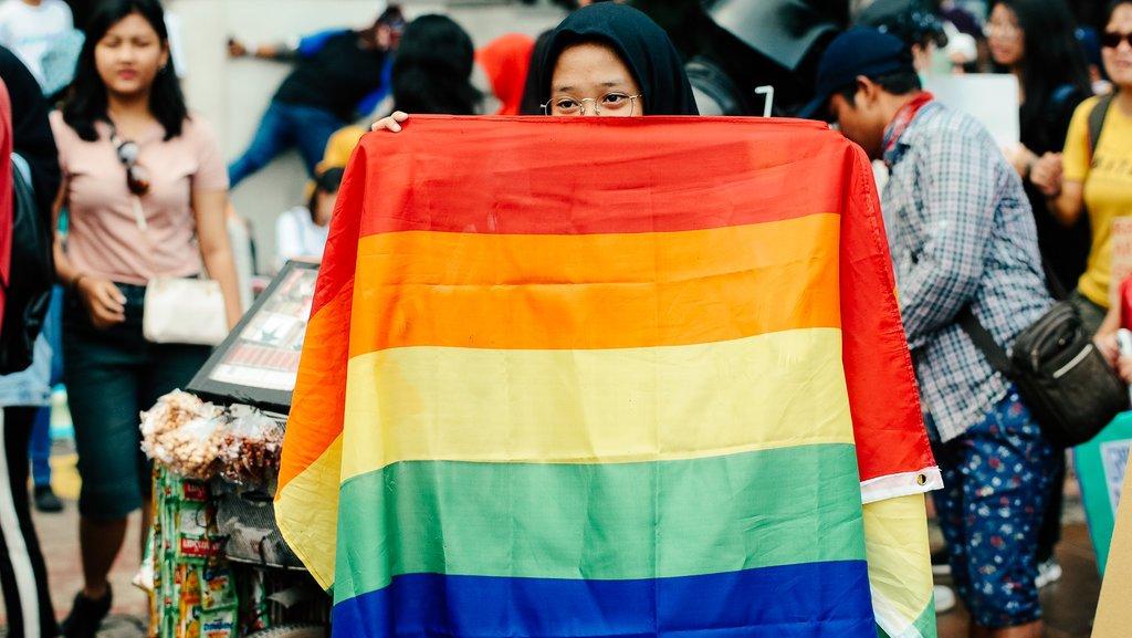 Depok sawangan gay Kolam Renang